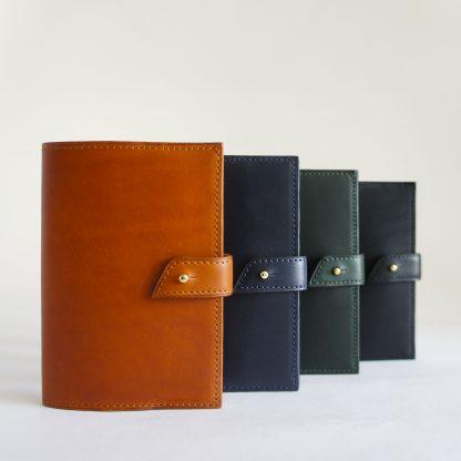 Porte-passeport Noir d'Orion - couleurs